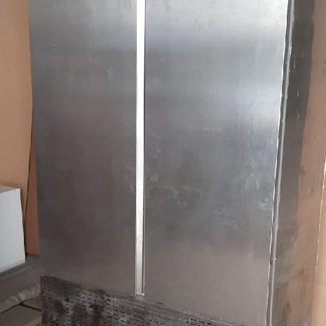 Endüstriyel dik dolap 2 kapılı sağlam krom buzdolabı