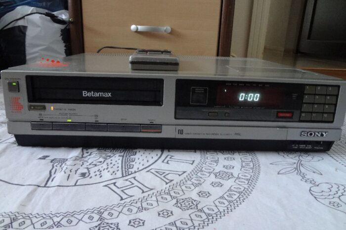 klasik kumandalı sony betamax video kaset oynatıcı